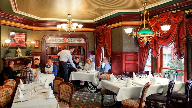 Walt S An American Restaurant Disneyland Paris Restaurants