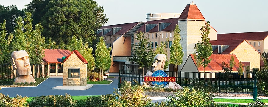 Algonquin 39 s explorers hotel disneyland paris hotels for Hotels eurodisney